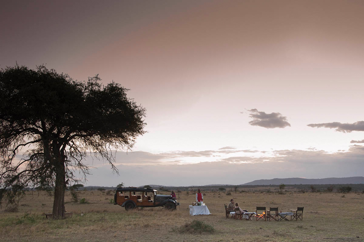 Sundowners in Kenya on game drive with cazenove+loyd